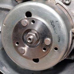 2 Dadi Rondella Variatore Accensione Albero Motore Easyboost MBK Booster Nitro Jog M10 x 1.25