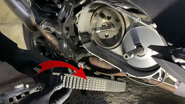 Dirección de montaje de la correa de BMW C600-C650