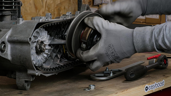 Removing the torque drive/clutch assembly