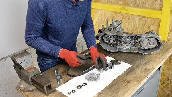 Remonter le variateur avec le canon, les galets, la joue fixe, la calotte