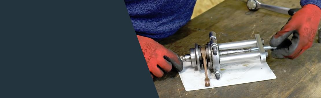 Crankshaft bearing removal